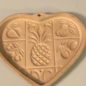 Pampered Chef 2001 Hospitality Heart mold